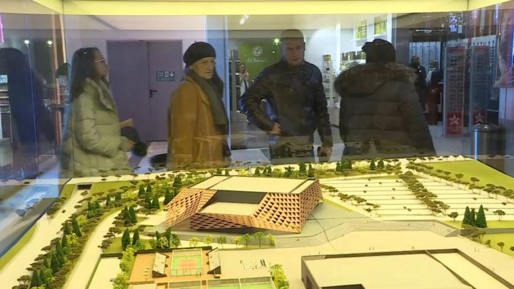 ARENA CHISINAU HAS LAYOUT. The work was exhibited in a shopping center from Capital