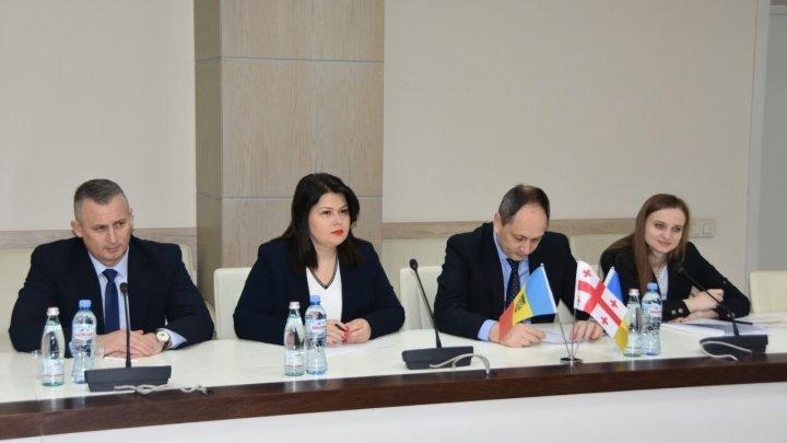 Memorandum of Agreement and Mutual Cooperation between Moldova, Georgia and Ukraine, signed in Tbilisi