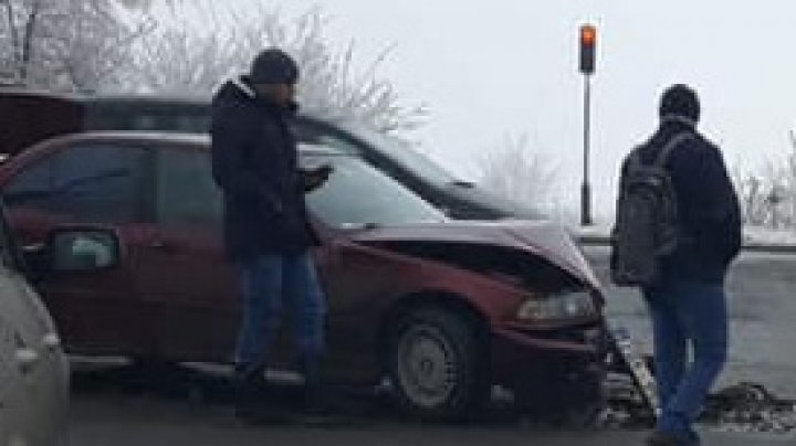 Grave accident occurred on Chisinau-Ialoveni highway. Car was seriously damaged