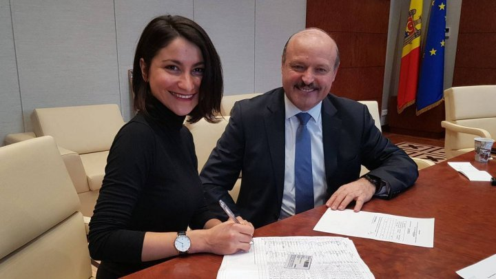 2019 Parliamentary elections: Valeriu Ghiletchi presented the required signatures at CEC