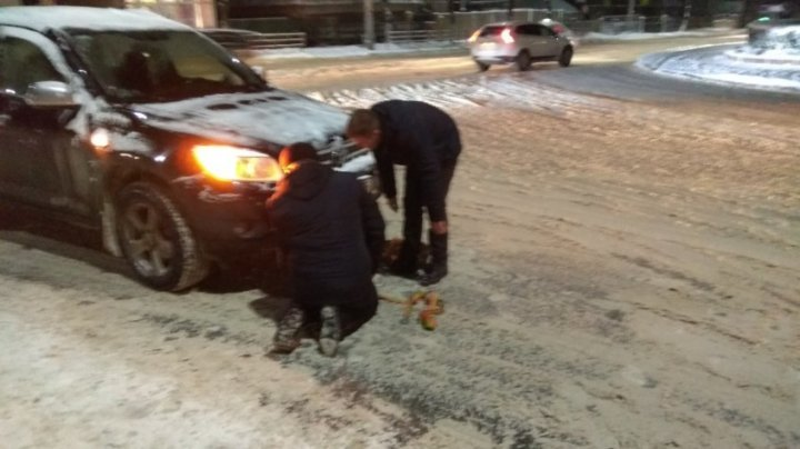Snow angels from Balti helped people who got stuck in snow (PHOTO)