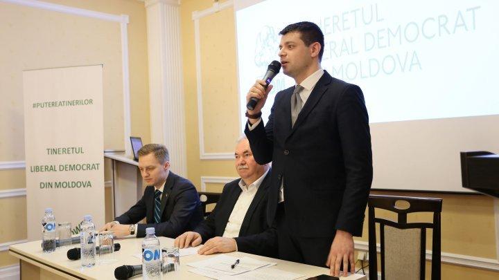 Alexandru Bujorean member of PLDM criticized PAS and PPDA