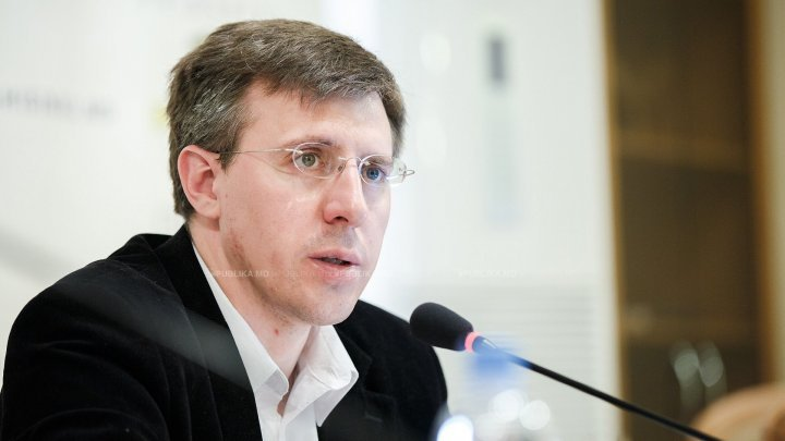 Why did Dorin Chirtoacă demand dismissal of Zinaida Greceanîi?