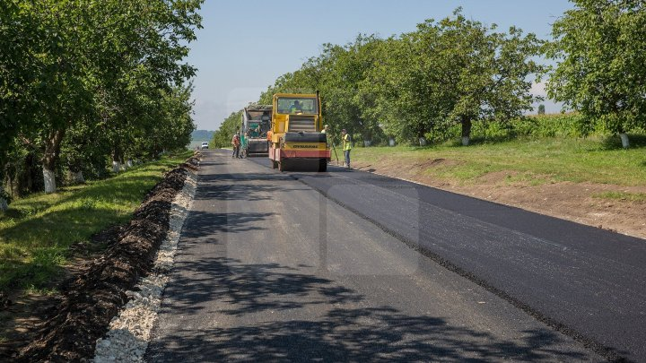 Starts GOOD ROADS PROGRAM 2. There will be 2,600 kilometers of national and local roads asphalted