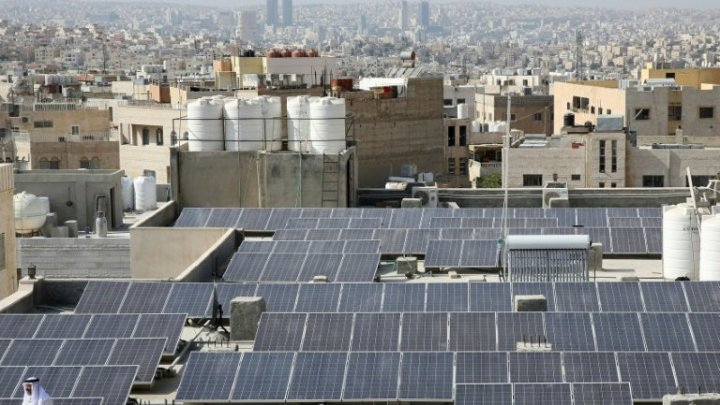 Jordanian mosques harness solar power