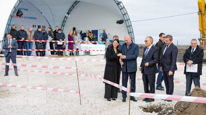 Romania connects Republic of Moldova to Europe. Ungheni-Chișinău gas pipeline construction inaugurated