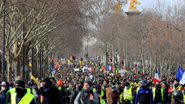 Violent Yellow Vest protesters showed no sign of letting up pressure on the government
