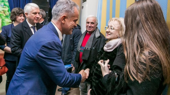 Vlad Plahotniuc visited his hometown Grozeşti: Efficient works must be persisted after elections