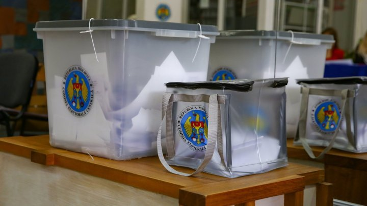 Who was the first Moldova citizen to cast vote
