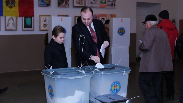 Eugeniu Nichiforciuc: I voted for PDM, the only team who make good roads, raise salaries and ensure better future for children