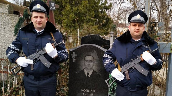 Police pay tribute to fallen ones in Nistru war:It is duty of ours and next generations to honor history