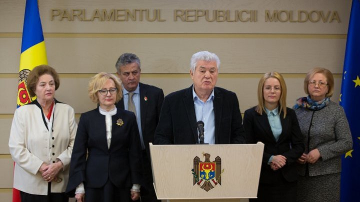 Who are the longest-serving deputies in Republic of Moldova