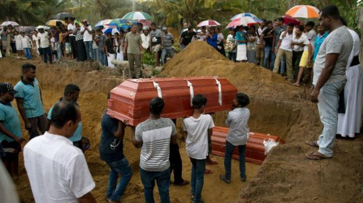 Sri Lanka bombing burials take place today: At least 321 killed's funerals started