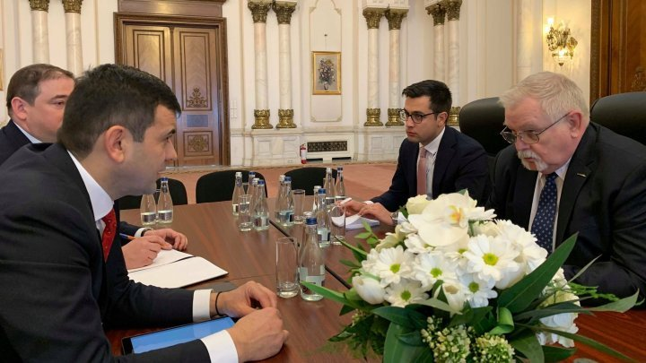 Moldovan Minister Chiril Gaburici met with Romanian Energy Minister Anton Anton. What topics tabled by officials