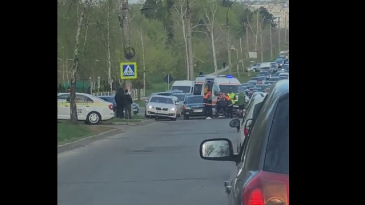 Morning accident in Capital. Motorcyclist violently hit a car (VIDEO/PHOTO)