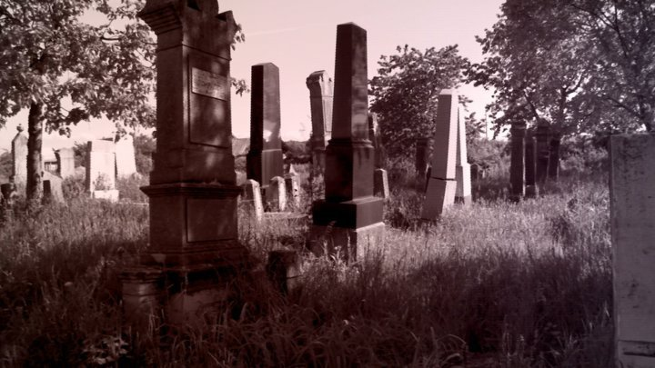 Tragedy in Glodeni. Man found strangled at the cemetery gate