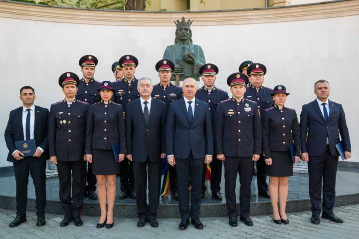 PM Filip on Flag Day: We hold our head up high and rise to tricolor's height and dignity