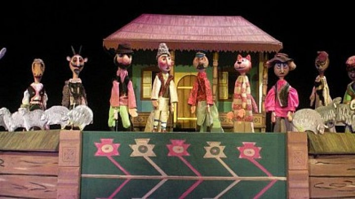 Who won  the Best Performance Award at International Puppet Festival from Chisinau
