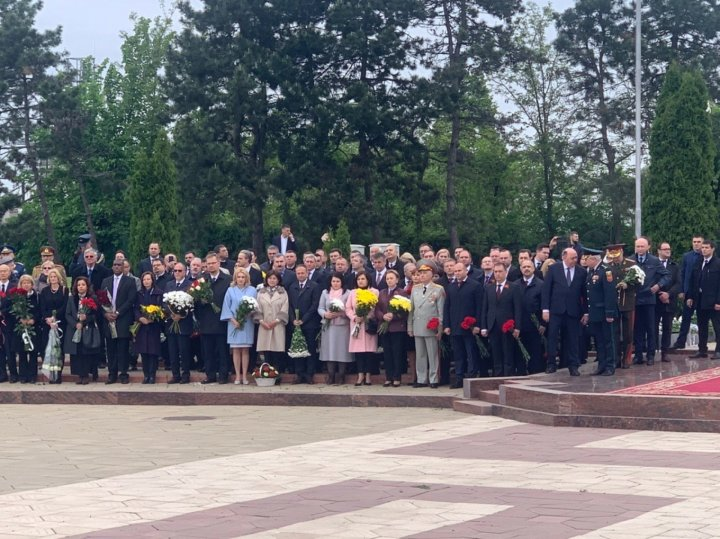 Victory Day and Europe Day celebrated in Moldova. Victims of Second World War, commemorated today. PUBLIKA.MD will LIVE broadcast the event