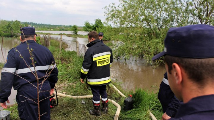 Maximum forces deployed at Ștefan Vodă. Hundreds of militants, rescuers, carabinieri to intervene in flooding