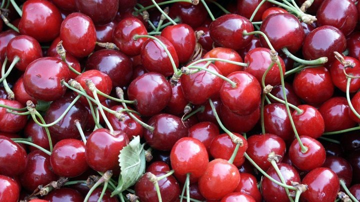 First May cherries appeared on Capital markets. How much Moldovans pay for one kilo