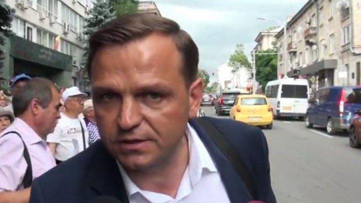Pro-European with an obscene language: Pavel Filip condemn Andrei Nastase's behaviour against press