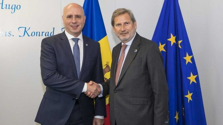 PM Pavel Filip talked with Commissioner for Neighborhood Policy and Negotiations for Enlargement Johannes Hahn