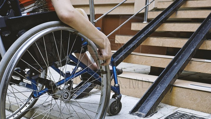 Disabled young man intents to sue a magistrate from Chisinau Court