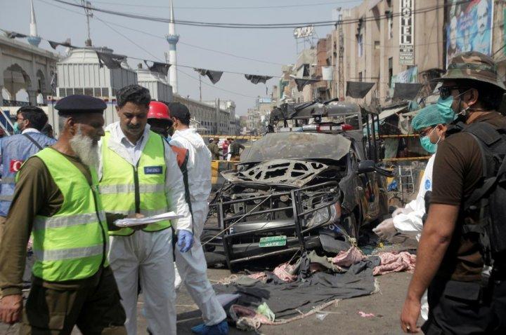Explosion near altar in Pakistan. Police announced 9 deaths