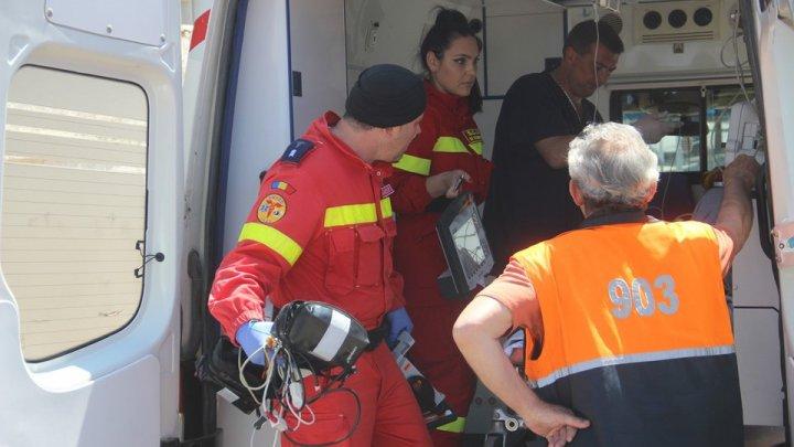 Ocnita man urgently transported by aerial SMURD medical team to Chisinau