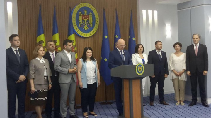 Filip Government gave up on power: We don't want doctors, teachers, policemen to suffer