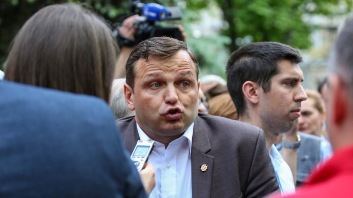 ACUM deputies didn't came out for a press-conference after Socialists' declaration about negotiations failure