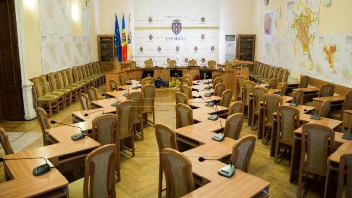 Chisinau Municipal Council requested Ruslan Codrenu and Nistor Grozavu to resign