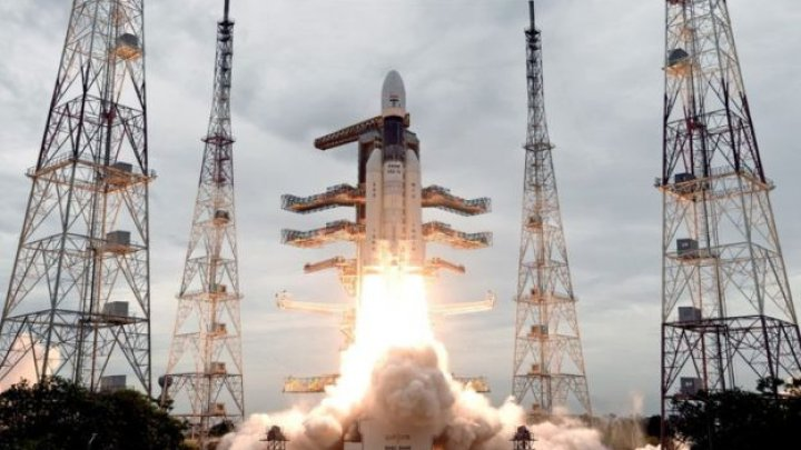 India launches successfully second Moon mission Chandrayaan-2