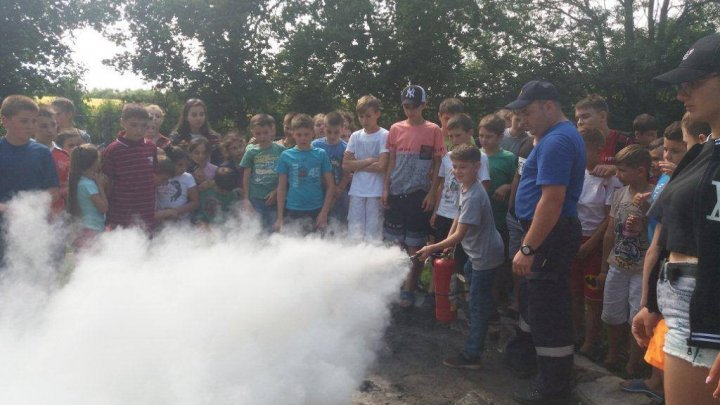 Over 600 children in Chirsova, Comrat and Svetloe instructed to act in risk situations