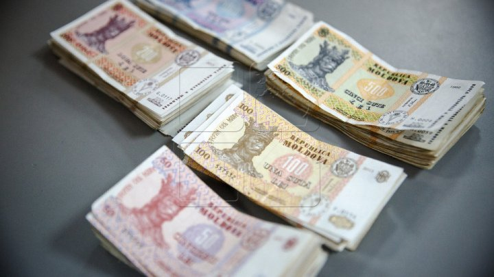 Deposits at Moldovan banks decrease 20% compared with May, shows National Bank