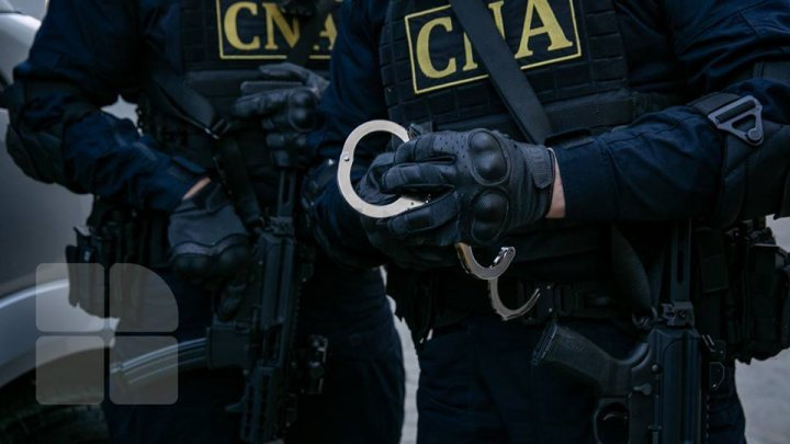 Two detained after raids at Education Youth Sports Directorates in Chisinau