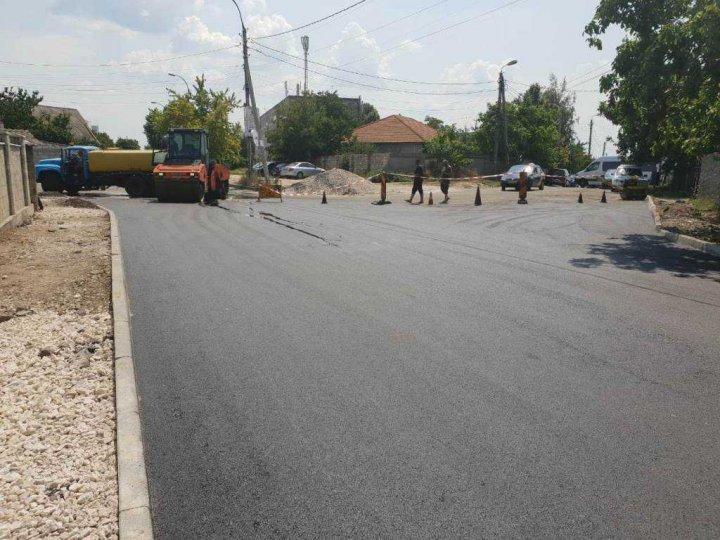 The Chisinau City Hall informed of asphalting the Ialoveni street (PHOTO)