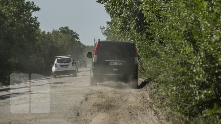 Anenii Noi locals rallied for bad roads linking Teliţa Nouă and Puhăceni (photo report)