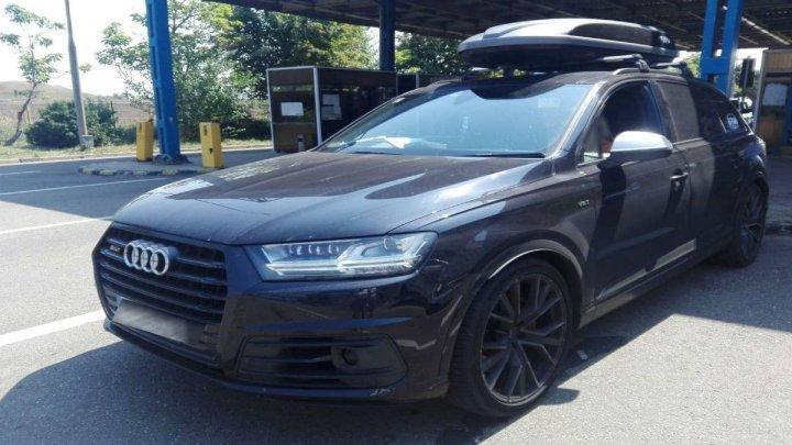 Policemen of Albita checkpoint detected a stolen Audi SQ7