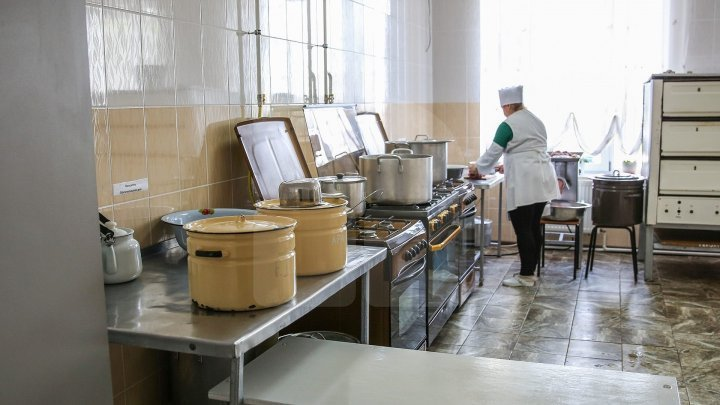 ANSA started verifying the food from Chisinau and other country's localities scholar institutions