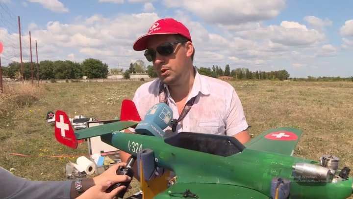 Over 25 mini-airplanes have been brought at air show in Moldova