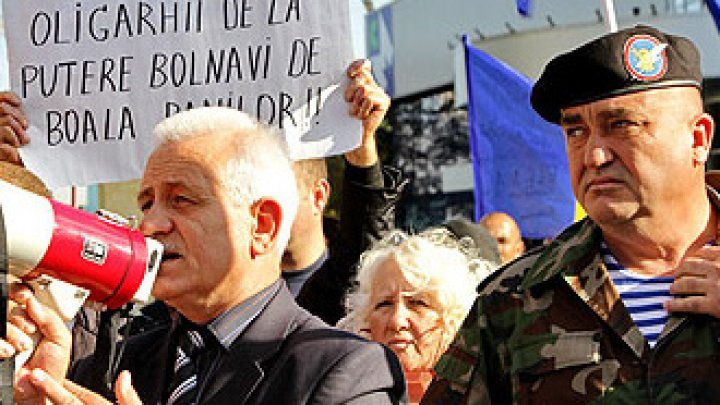 The policeman Anatol Macovei, a fierce PPDA supporter, was fired
