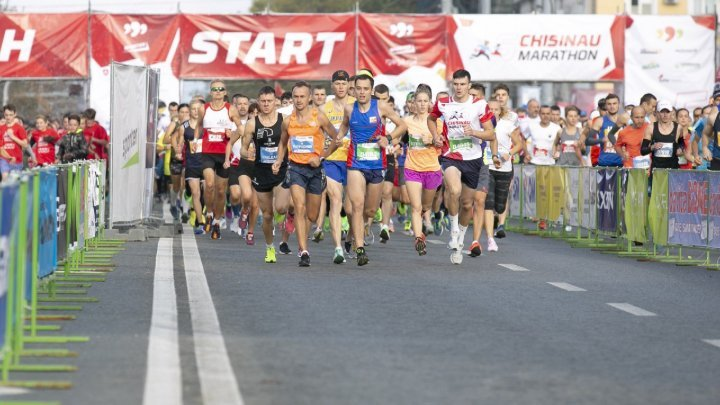 International Marathon kicked off with over 20,000 runners in Chisinau (photo report)
