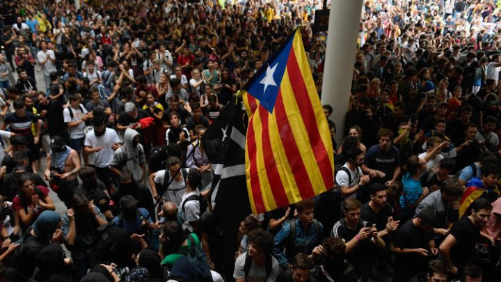 Attention! Travel warning issued to citizens flying to Spain due to intense unrest