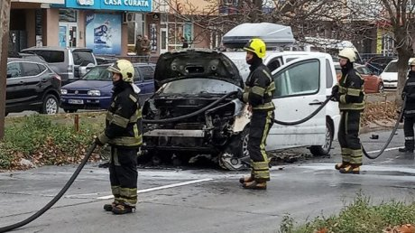 Car bursts into flame in  Botanica district of Chisinau