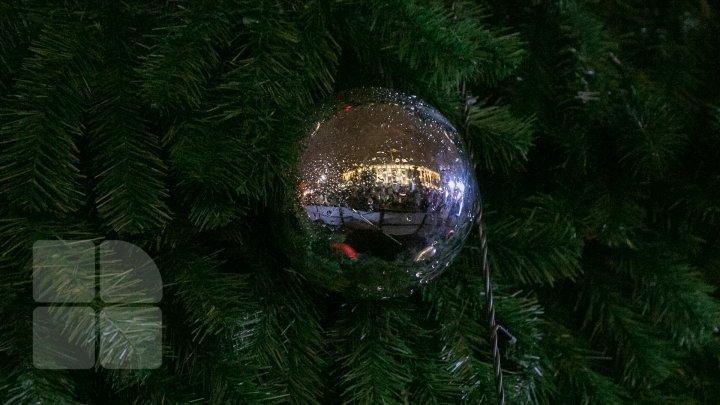 Chisinau underway to celebrate winter holidays (photos)
