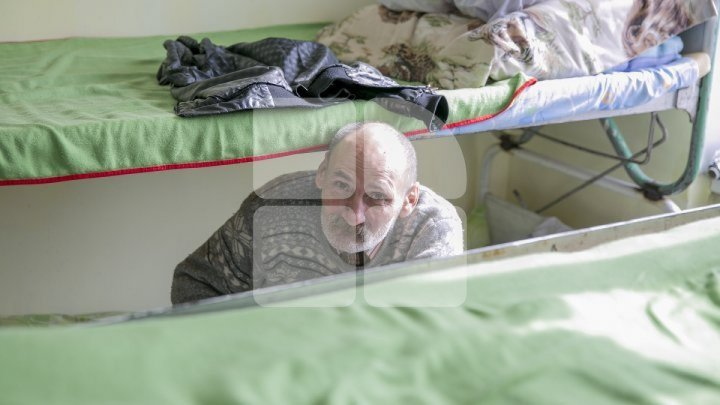 Chisinau homeless shelter accused of stealing food and kicking out people