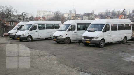 Watch out! Chisinau carriers protesting over bus tariff