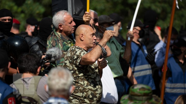 Transnistria war veterans rallied in front of Parliament with demands (photo report)